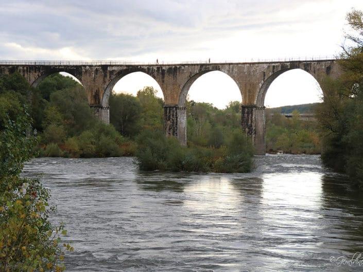 Viaduc ferroviaire Vogüe
