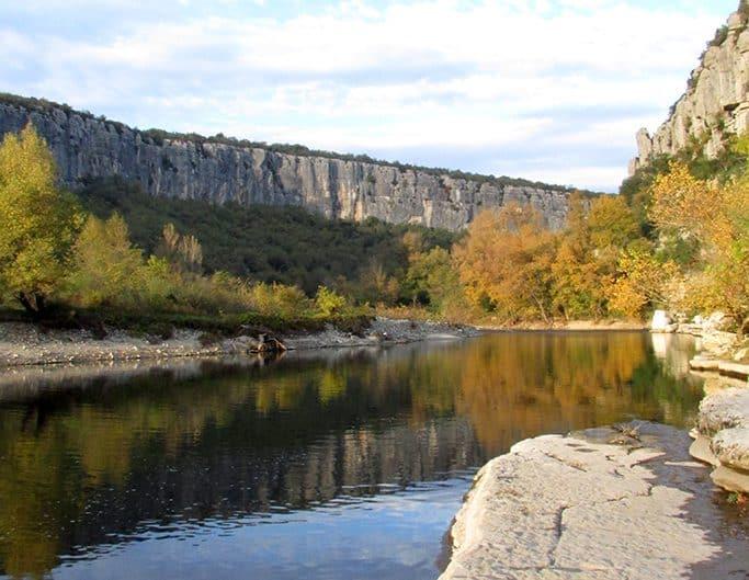 Une vue de la rivière Ardèche