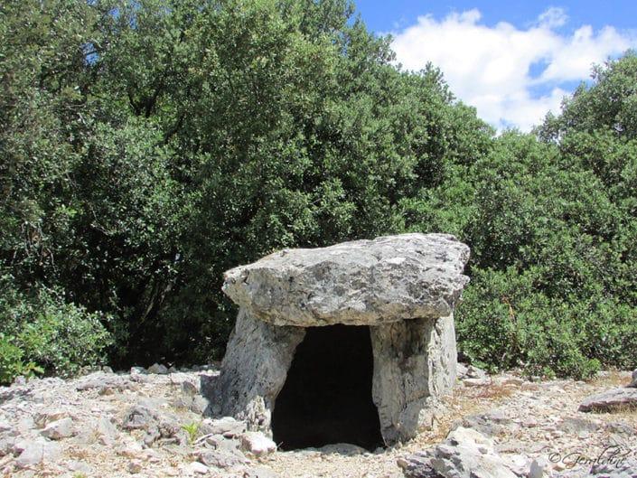 Le dolmen de la Combe de Bonne Fille