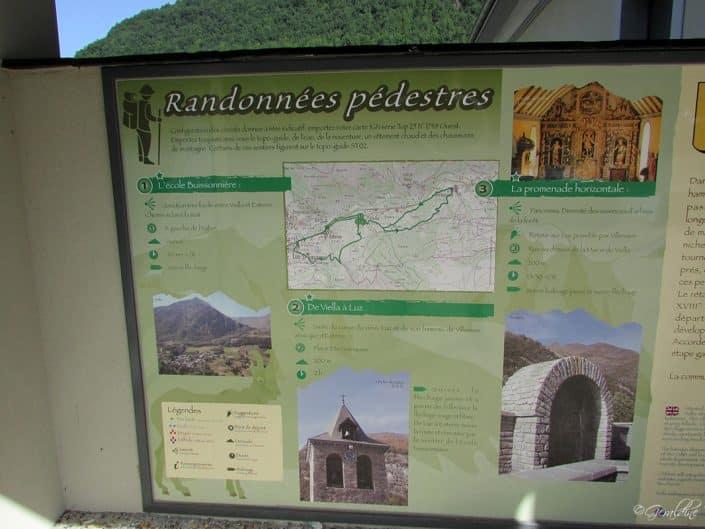 Panneau d'information randonnées de Viella à Luz