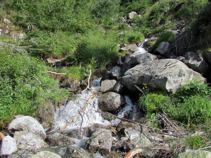 Ruisseau descendant du lac