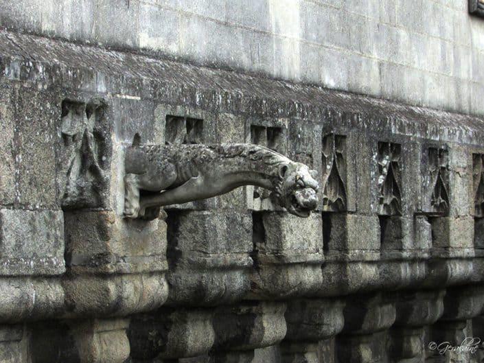 Une gargouille sur le chateau des ducs de bretagne