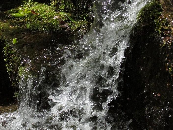 petite cascade à sablières en ardèche (07)